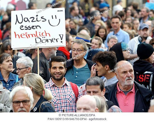 """13 September 2018, North Rhine-Westphalia, Essen: 13 September 2018, Germany, Essen: During the demonstration under the motto """"""""#WIRSINDMEHR - Standing up..."""
