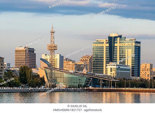 Azerbaijan, Baku, along Caspian Sea along the Neftciler Prospekt avenue also called Bulvar