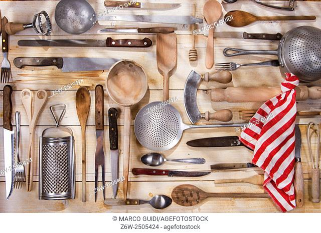 Old and various accessories for the preparation of food