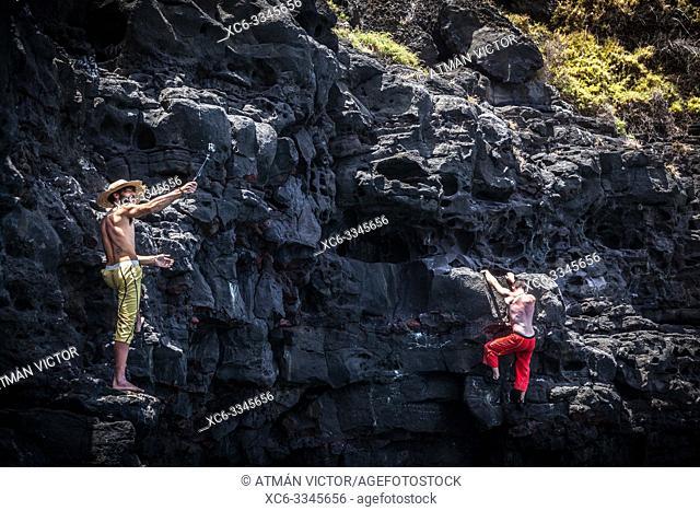 Deep-water soloing in Tenerife island