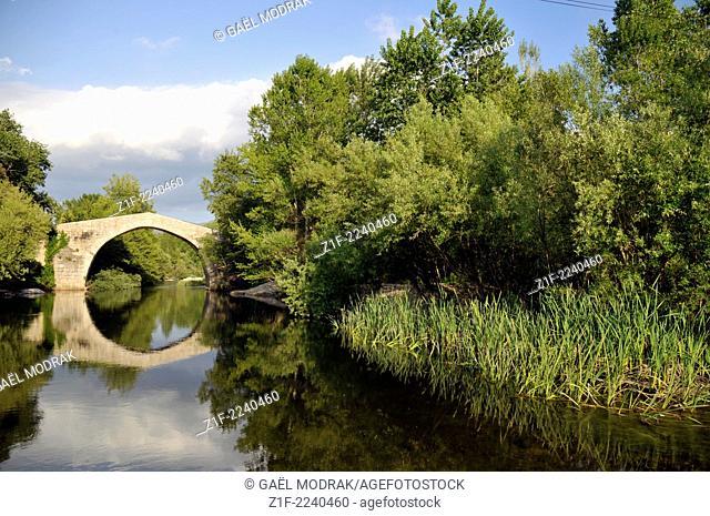 The bridge Spin'a Cavallu beside Sartène, Corsica, France