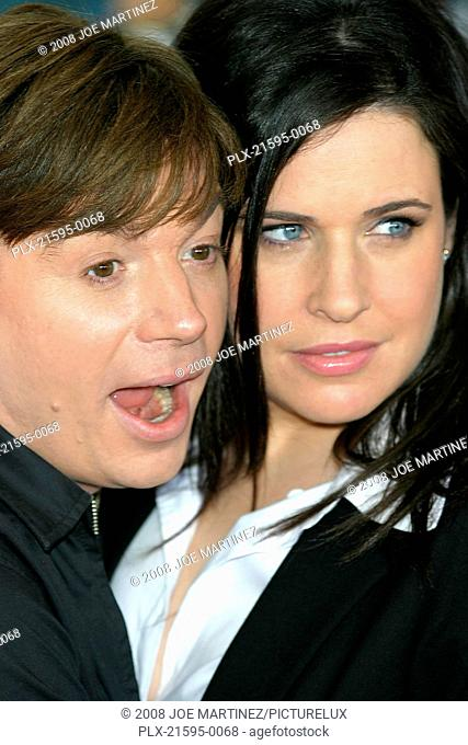 Dr. Seuss's: The Cat in the Hat Premiere 11-8-03 Mike Myers & wife Robin Photo By Joe Martinez