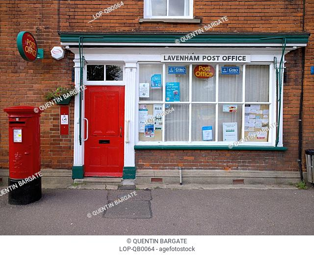 England, Suffolk, Lavenham, Lavenham Post Office. This famous Suffolk village, popular with tourists, was built on the back of money from the wool trade in the...