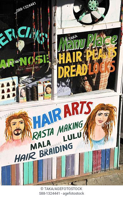 Hair cut saloon in Old Manali
