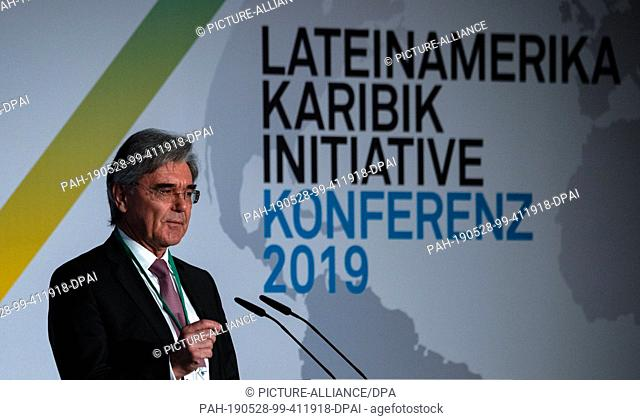 28 May 2019, Berlin: Joe Kaeser, CEO of Siemens AG, speaks at the opening of the Latin America and Caribbean Conference at the Federal Foreign Office