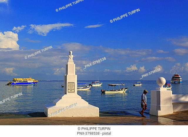Mexico, Quintana Roo, Cozumel Island. San Miguel de Cozumel. Doctor Adolfo Rosado salas monument