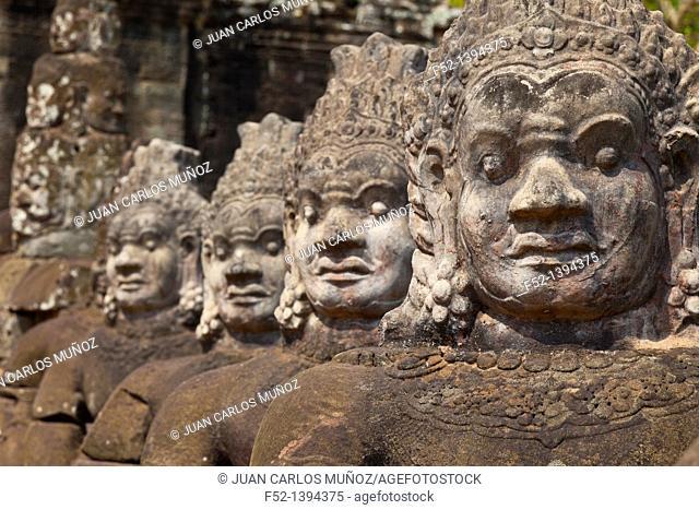 Asuras  South Entrance  Angkor Thom  Angkor  Siem Reap town, Siem Reap province, Cambodia, Asia