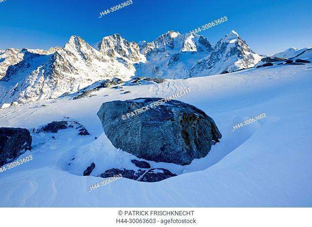Piz Tschierva-3546 m, Piz Morteratsch - 3751 m, Piz Bernina-4049 m, Piz Roseg-3937 m, Graubünden, Schweiz