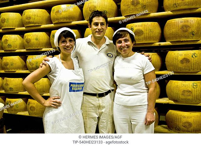 Cheesemakers - Coop Casearia Castelnovese, Castelnuovo Rangone ( Province of Modena, Italy)