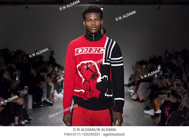 Iceberg catwalk during LFWM June 2018. Spring/Summer 2019 Collection. London, UK. 08/06/2018   usage worldwide. - London/United Kingdom of Great Britain and...