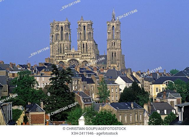 Cathedral, Laon, Aisne department, Picardy region, northern France, Europe