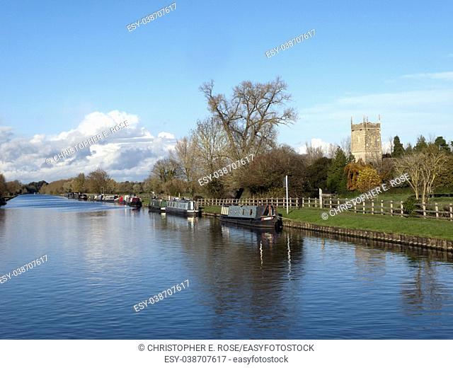 Winter sunshine near the church at Frampton-on-Severn on the Gloucester & Sharpness Canal, Gloucestershire, UK