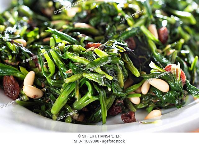 Campion with pine nuts and sultanas