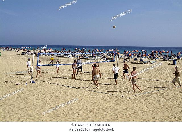 Spain, Canaries, island Fuerteventura, Morro Jable, Jandia Playa, volleyball-players