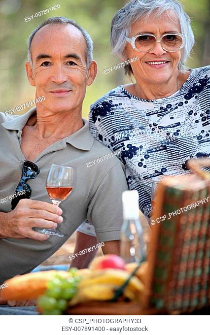 seniors at picnic
