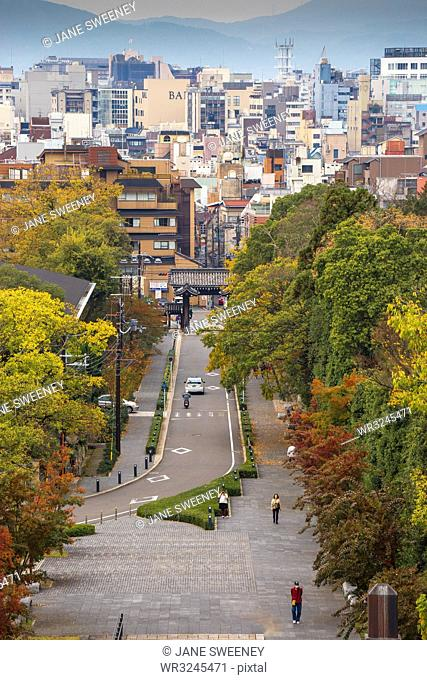 Road leading to Chion-In Temple, Kyoto, Japan, Asia
