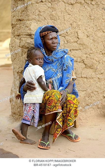 Woman with child, Girl, Koungo Village, Plateau Central, Burkina Faso