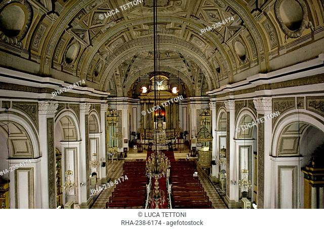 Interior of San Augustin church, the oldest church in Manila dating from 1607, which survived American bombing, UNESCO World Heritage Site, Philippines