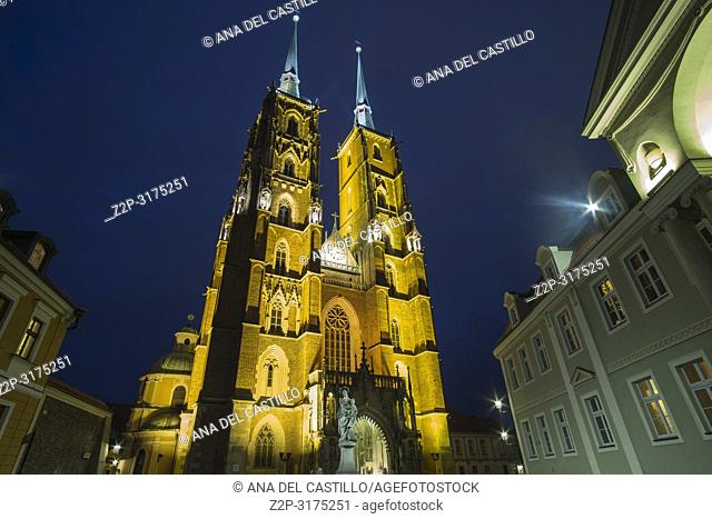 Tum The island of the cathedral of St John in Wroclaw by dusk Poland
