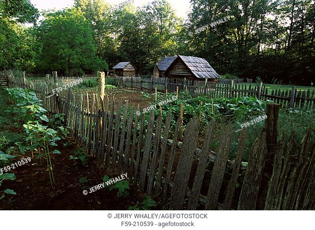 Garden and pioneer farm. Oconaluftee Area. Great Smoky Mountains NP. North Carolina. USA