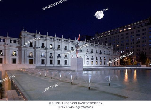 Fountain Palacio De La Moneda Plaza De La Ciudadania, Santiago, Chile