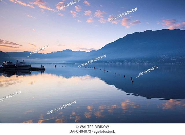 Switzerland, Ticino, Lake Maggiore, Locarno, lakefront, dawn