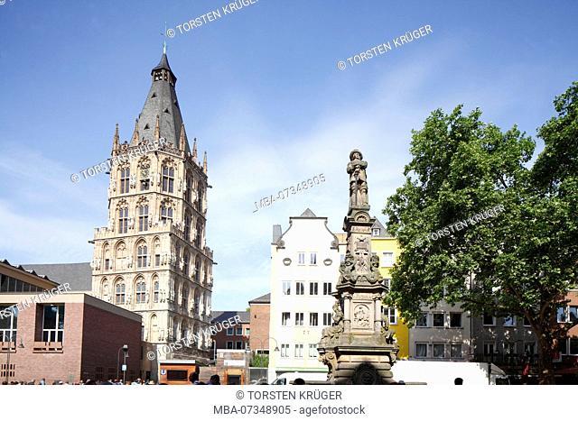 Historic Town Hall on the Alter Markt, Jan von Werth Monument, Old Town, Cologne, North Rhine-Westphalia, Germany, Europe