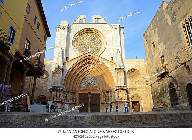 Santa Maria Cathedral in the Pla de La Seu, old quarter, Tarragona, Catalonia, Spain, Europe
