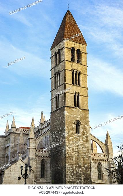 Santa Maria de la Antigua Church, Valladolid, Castilla y Leon, Spain
