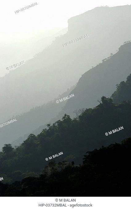 LANDSCAPE ON THE EASTERN SIDE OF THE WESTERN GHATS CHINNAR WILDLIFE SANCTUARY