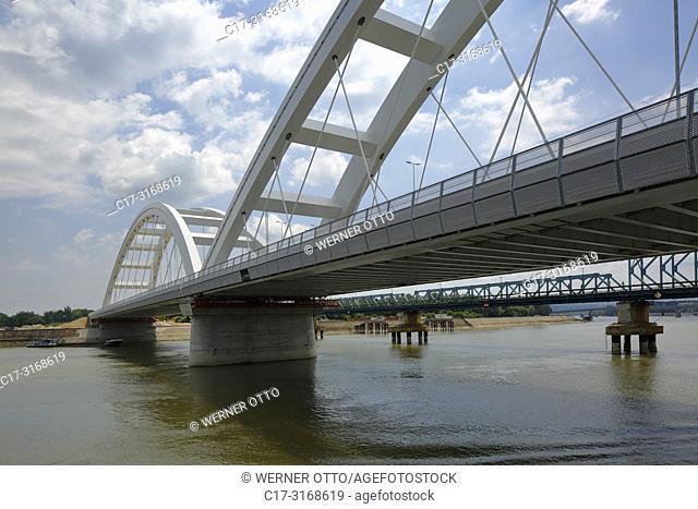 Novi Sad, Serbia, Novi Sad on the Danube, Province Vojvodina, District South Backa, Danube bridges, road bridges and railway bridges, ahead the Zezelj Bridge