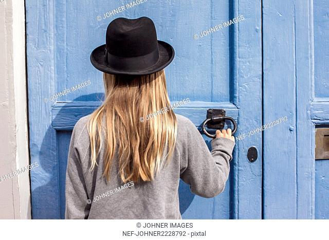 Girl knocking