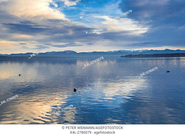 Evening mood in autumn on Lake Starnberger See, Bavaria, Germany