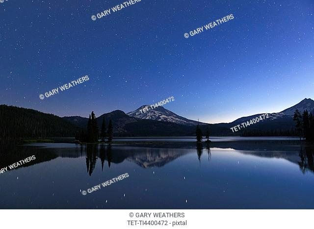 Sparks Lake at night