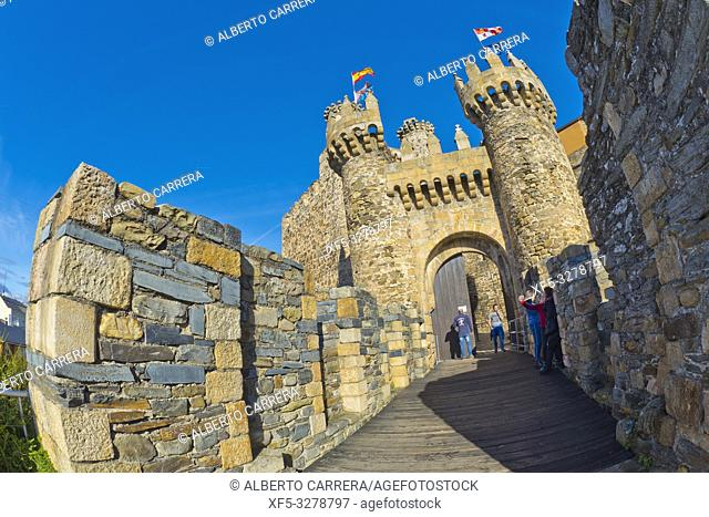 Knights Templar Castle of Ponferrada, 14th Century Romanesque Style, Ponferrada, El Bierzo Region, León Province, Castilla y León, Spain, Europe