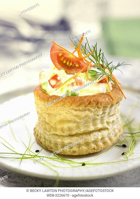 tartaleta de ensaladilla rusa / tartlet with Russian salad