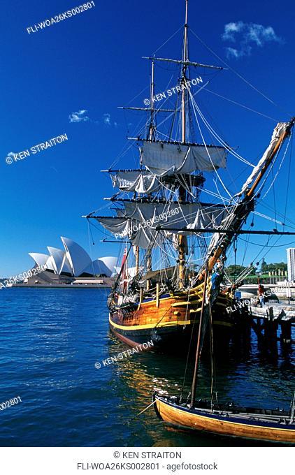 K.Straiton, Ship, Opera House BG, Sydney, AU