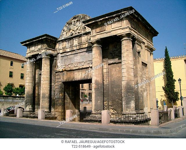Puerta del puente at the bottom of the Roman bridge and next to the mosque. Córdoba. Spain