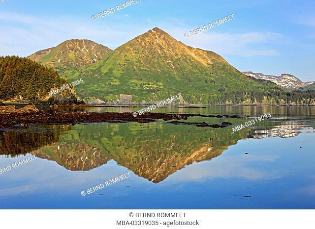 North America, the USA, Alaska, Kodiak Iceland, Monakshak Bay, mountain landscape, coastal mountains, Coast Mountains, bay