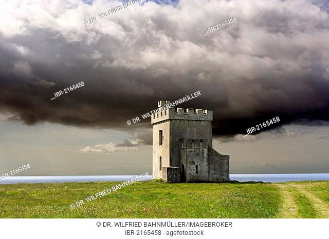 Defense tower, ca. 1800, Ardmore Head, County Waterford, Ireland, Europe