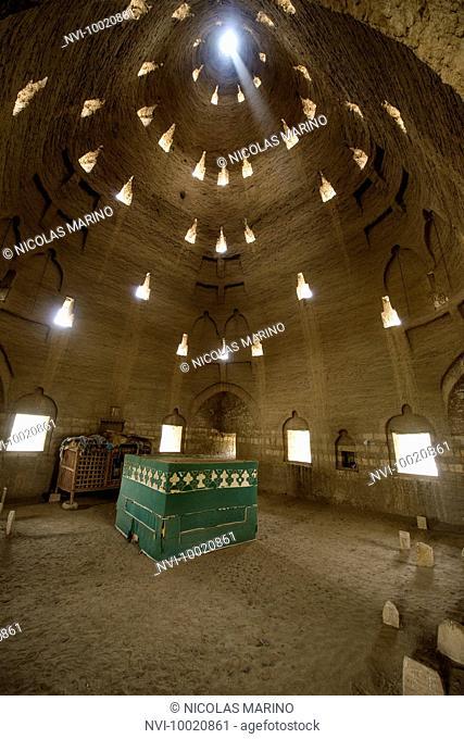Koica mausoleum interior, Sahara desert, Sudan
