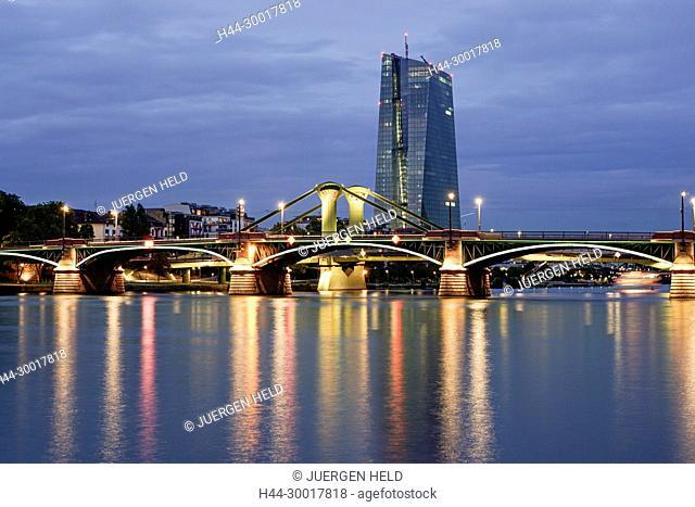 Germany, Hesse, Frankfurt am Main, The new European Central Bank building in the east of Frankfurt, Skyline, Floesser Bridge, Twilight, EZB, ECB