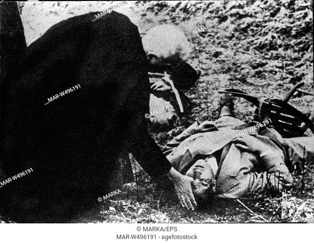 la salma di Ciano riceve la benedizione di monsignor Chiot, II guerra mondiale, 1944