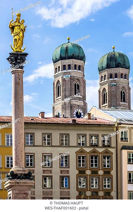 Germany, Bavaria, Munich, View of Mary's Square, Marian column and Cathedral of Our Lady