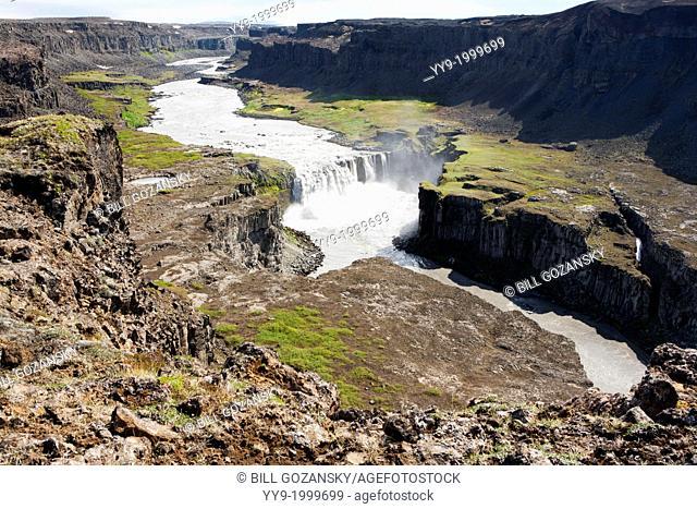 Hafragilsfoss in Jokulsagljufur Canyon - Jokulsargljufur National Park - North Iceland