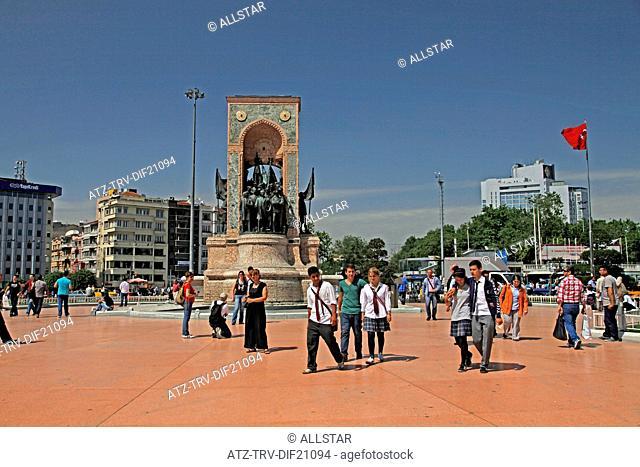 REPUBLIC MONUMENT; TAKSIM SQUARE, ISTANBUL & TURKEY; 22/05/2012