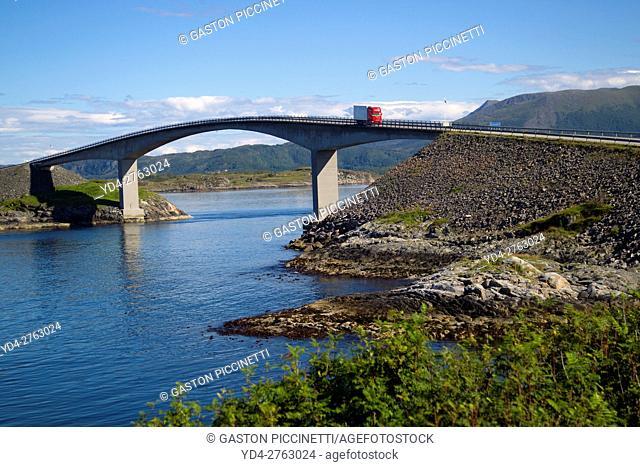 Atlantic Road or Atlanterhavsveien, from Bud to Kristiansund, More og Romsdal, Norway