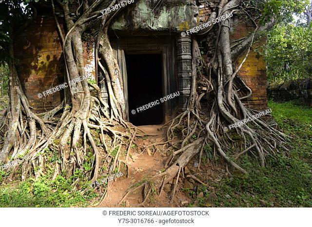 Preset Pram sanctuary entrance in Koh Ker site, Cambodia, South East Asia, Asia