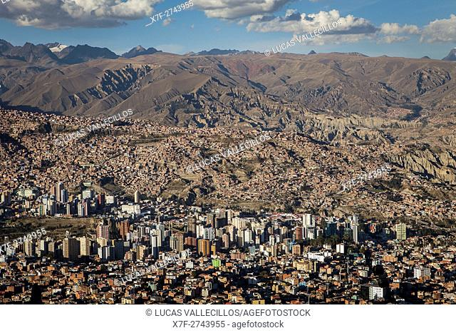Panoramic view of the city, in background Los Andes mountains, La Paz, Bolivia