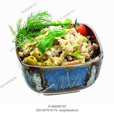 Macaroni salad with seafood